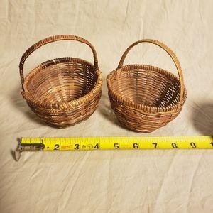 Vintage Accents - Pair of Vintage Handwoven Mini Baskets